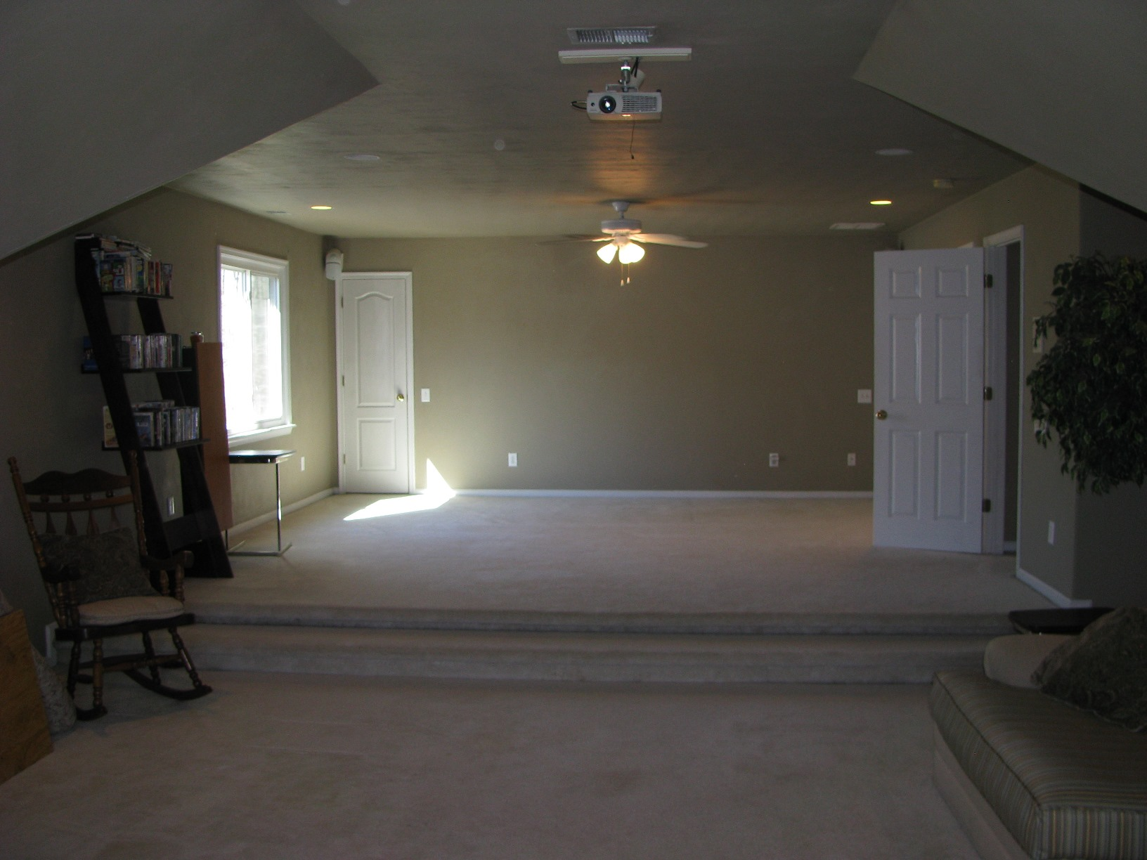 family room over garage decorating ideas - Media Room Over Garage